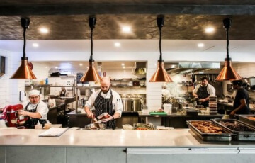 <Pros and Cons of Open Restaurant Kitchens